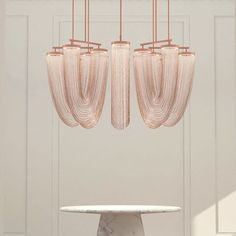 Visit the best interior lighting design projects. Home lighting design is always peculiar, at our house we want to make it as special as possible . Interior Lighting, Home Lighting, Modern Lighting, Lighting Design, Copper Lighting, Modern Lamps, Lampe Decoration, Decoration Design, Pendant Chandelier
