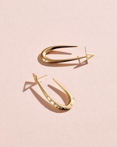 Gold jewelry Indian For Men - Gold jewelry Indian Latest - Gold jewelry Design Pakistani - Gold jewelry Fashion 2020 - - Mom Jewelry, Cross Jewelry, Photo Jewelry, Bridal Jewelry, Silver Jewelry, Jewelry Design, Gold Jewellery, Jewelry Ideas, Jewelery