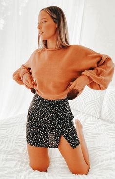 Floral Skirt Outfits, Cute Skirt Outfits, Moda Outfits, Floral Mini Skirt, Basic Outfits, Cute Casual Outfits, Cute Skirts, Girly Outfits, Mini Skirts