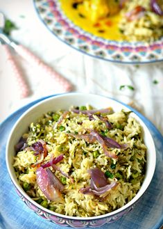 Methi Matar Pulao- Flavourful and nutritious garlicky rice with fenugreek and green peas. Such easy and satisfying one pot meal. Methi Recipes, Herb Recipes, Rice Recipes, Indian Food Recipes, Vegetarian Recipes, Cooking Recipes, Healthy Recipes, Healthy Foods, Matar Pulao Recipe