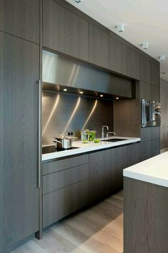 The best modern kitchen design this year. Are you looking for inspiration for your home kitchen design? Take a look at the kitchen design ideas here. There is a modern, rustic, fancy kitchen design, etc. Luxury Kitchen Design, Contemporary Kitchen Design, Best Kitchen Designs, Luxury Kitchens, Contemporary Decor, Interior Design Kitchen, Modern Interior Design, Home Design, Design Ideas