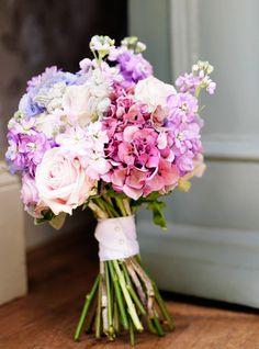 Image from http://www.belsflowers.co.uk/wp-content/uploads/2010/08/wedding-flowers-northumberland.jpg.