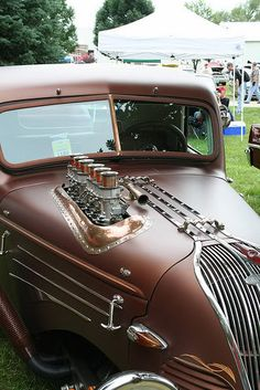 Steampunk Hot Rod  ~  this is how you bad-ass a straight 6/8.
