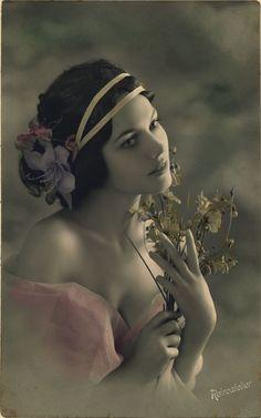Carte ancienne (femme )