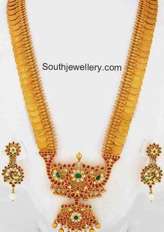 Lakshmi Kasu Haram with Stones Pendant - Indian Jewellery Designs Kerala Jewellery, Indian Jewellery Design, Indian Jewelry, Jewelry Design, Temple Jewellery, Pendant Jewelry, Gold Jewelry, Gold Necklace, Diamond Jewellery