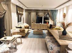 Ahşabın doğal ve rahatlatıcı havasına yer vermek isteyen Aslı hanım, tüm mobilyalarını bu dokuda tercih etmiş..