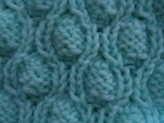 free cable knitting pattern - repeated ovals stitch