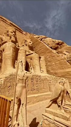 Ancient Egypt Art, Ancient Ruins, Ancient History, Pyramids Egypt, Cairo Egypt, Egyptian Temple, Egyptian Art, Egypt Travel, Beautiful Places To Travel