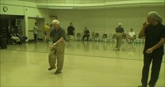 A Brilliantly Quick Exercise To Prevent Aging And Dementia - Golden Rooster Brain Health, Good Skin, Remedies, Dementia, Old Things, Skin Care, Yoga, Rooster, Exercises