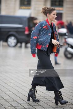 Olivia Palermo during the Haute Couture Spring/Summer 2018 in the streets of Paris on January 22, 2018 in Paris, France.