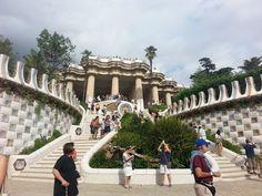 de dubbele trap in het Gaudi Park met de salamander.