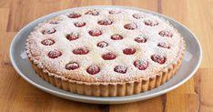 Attrapez votre rouleau à pâte et votre tablier, c'est l'heure de préparer cette délicieuse tarte à la frangipane, croûte d'amandes et framboises.