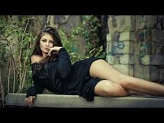 The Hollies - Long Cool Woman (In A Black Dress) [v2] [Lyrics] [1080p] [HD] - YouTube
