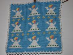 De här grytlapparna är stickade på en rundsticka och har samma mönster på båda sidorna. Washing Clothes, Pot Holders, Presents, Textiles, Knitting, Crochet, Tips, Christmas, Crafts
