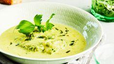 Nauttisitko kevään vihreän salaatin vaihteeksi keiton muodossa? Lehtisellerin ja purjon makuun vivahtava lipstikka antaa salaattikeittoon mahtavaa makua. Koti, Soups, Ethnic Recipes, Soup