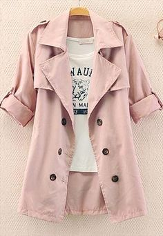 A casual look but a little pumped up by that gorgeous pink coat! Would be perfect with a pair of jeans & converse !