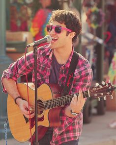 Darren Criss is the main reason I love Glee. I could listen to him sing all day long