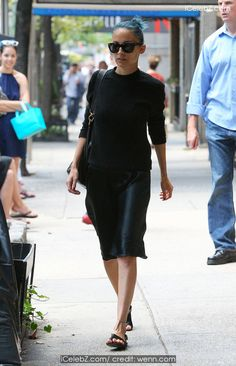 Nicole Richie Dressed all in black out and about NYC http://icelebz.com/events/nicole_richie_dressed_all_in_black_out_and_about_nyc/photo1.html