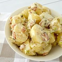 The Best Potato Salad Recipe - Create Bake Make Best Ever Potato Salad, Best Potato Salad Recipe, Potato Salad With Egg, Easy Salad Recipes, Easy Salads, Potato Recipes, Vegetable Recipes, Southern Potato Salad, Classic Potato Salad