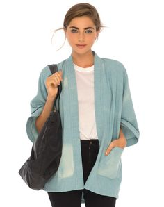 Kimono's are the perfect way to compete any look, and this one features long loose sleeves and an open front.