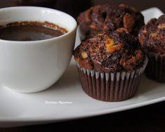 Obłędnie czekoladowe mufffiny z kawałkami czekolady - Justyna Dragan Breakfast, Food, Morning Coffee, Essen, Meals, Yemek, Eten