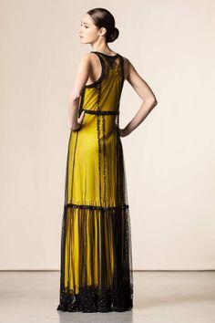 Vestito lungo con tulle e pietre nero/giallo - Abiti lunghi - Abbigliamento - Collezione Donna. #fashion #perfectdress #event #shopping #shoponline #cavalliclass.