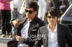 the long awaited day has come, today's the wedding of the gorgeous Jang Dong Gun & kromyo So Ji Sub  was there , he came along with his Hyun...