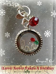 Origami Owl Living Lockets make great Christmas gifts!! This locket features our new window plate!! Get your new window plate today! www.vvernace.origamiowl.com