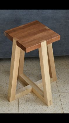 Diy Furniture Videos, Diy Pallet Furniture, Furniture Projects, Wood Furniture, Wood Chair Design, Wood Design, Diy Wooden Projects, Wood Crafts, Wooden Chair Plans