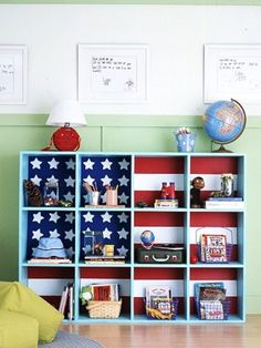 DIY - Paint or wallpaper the back of any Ikea (or similar) cabinet to customize your storage. Cute storage for a dorm room! Cubbies, Deco Kids, Ideas Para Organizar, Kallax, Ikea Expedit, Flag Decor, Patriotic Decorations, Storage Solutions, Storage Ideas