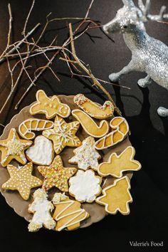 Felt Christmas Ornaments, Christmas Cookies, Christmas Time, Holiday, Christmas Ideas, Romanian Desserts, Romanian Food, Romanian Recipes, Sweets Recipes