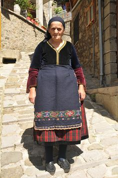 Traditional daily costume from Metsovo (Epirus, northern Greece)/