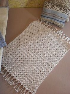 Ravelry: Cherry Blue Bedroom Throw Rug pattern by CGW JoanitaTheron free pdf