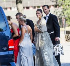 Another view of Victoria at the wedding of Martina Gahn and Carl Liska