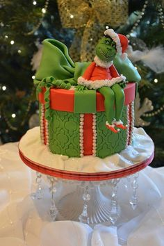 How The Grinch Stole Christmas Cake made by Butterfly Dream Cakes