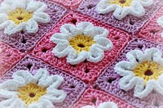 crochet-3D-squares  from the blog zoom yummy