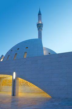Yesil Vadi Mosque in Istanbul, Turkey by Adnan Kazmaoglu