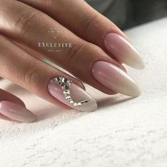 @pelikh_ nails ideas Stylish Nails, Trendy Nails, Purple Nails, Glitter Nails, Dimond Nails, Almond Acrylic Nails, Wedding Nails Design, Trim Nails, Crystal Nails