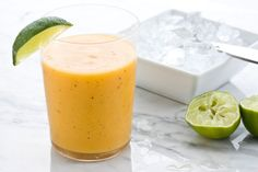 Tropical Smoothie for a group - Curtis Stones Tropical Smoothie: Best Smoothie Recipes Best Healthy Smoothie Recipe, Healthy Recipes, Curtis Stone Recipes, Filling Food, Good Smoothies, Island Food, Smoothie Ingredients, Yummy Drinks, Healthy Drinks