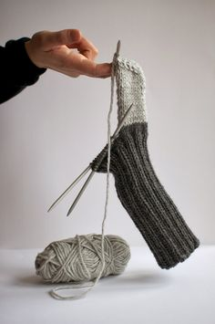 Knit socks - 42 inspirational examples for enthusiastic beginners knit socks colorful socks knitting pattern gray half finished Always aspired to learn how to knit, although not sure the. Knitting Socks, Knitting Stitches, Knitting Patterns Free, Knit Patterns, Free Knitting, Knit Socks, Free Pattern, Crochet Slippers, Knit Or Crochet
