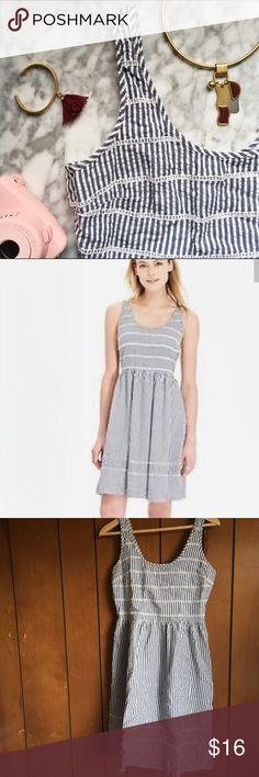 Old Navy•Seersucker Striped Sundress Adorable! ☀️ Good used condition aside from a small stain that's barely noticeable. You can hardly see it but I tried to photograph it in the last image! Smocked elasticized back. Hidden side zip. Old Navy Dresses
