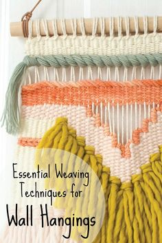 Create a gorgeous DIY wall hanging with these basic tapestry techniques: rya knots, loops, soumak, and more! Want to weave a DIY wall hanging? These weaving techniques from Rachel Denbow's DIY Woven Art will inspire you and unleash your creativity. Weaving Wall Hanging, Weaving Art, Weaving Patterns, Tapestry Weaving, Hand Weaving, Wall Hangings, Knitting Patterns, Stitch Patterns, Loom Knitting Patterns