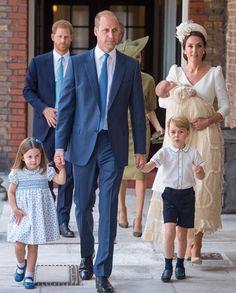 Prince William, Kate Middleton, Princess Charlotte, Prince George and Prince Louis Princesa Charlotte, Princesa Diana, Lady Diana, Looks Kate Middleton, Estilo Kate Middleton, Kate Middleton Prince William, Prince William And Catherine, William Kate, Princess Kate