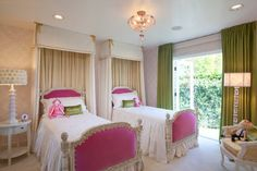 Three Twin Beds Design Ideas, Pictures, Remodel and Decor Canopy Bedroom, Girls Bedroom, Bedroom Decor, Bedroom Ideas, Bedroom Inspiration, Girls Canopy, Canopy Beds, Bed Curtains, Green Curtains