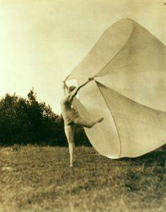 Martha Graham in Soaring at Mariarden - ID: den_1475v - NYPL Digital Gallery