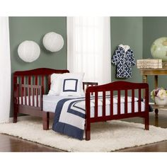 A selection of our favorite cheap toddler beds for both girls and boy. These will make the transition from the crib to bed much easier for mommy and daddy,