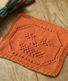 Lacy Jack-O-Lantern Dishcloth – Free Halloween Knitting Pattern. Knit up this quick, simple and cute lace pumpkin motif dishcloth for this Halloween! Free pattern More Patterns Like This! Dishcloth Knitting Patterns, Crochet Dishcloths, Knit Or Crochet, Knit Patterns, Free Knitting, Free Crochet, Stitch Patterns, Halloween Knitting Patterns, Knitting Projects