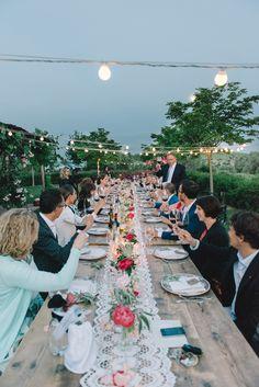 Stringlights Wedding lights Wedding in Tuscany Weddingphotography www.funkybirdphotography.com