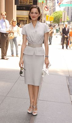 Marion Cotillard in Christian Dior. Not loving the shoes though, sorry Marion.