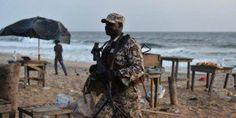 Terrorisme : l'Afrique peut-elle faire face ? Dans la seule bande sahélienne, l'activité des groupes islamistes radicaux a entraîné le déplacement de 3,5 millions de réfugiés et la mort de près de 20 000 civils (dont 60 % pour le seul Nigeria), et pas moins de dix capitales du continent ont été, ces dernières années, la cible de prises d'otages et d'attentats meurtriers : Tunis, Tripoli, Bamako, Abuja, N'Djamena, Niamey, Kampala, Nairobi, Djibouti, Mogadiscio…